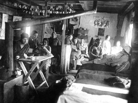 Барак женского исправительно-трудового лагеря ГУЛАГ НКВД СССР