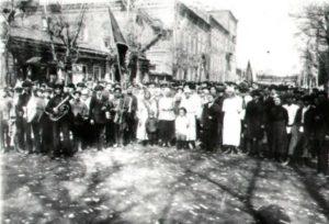 почему большевиков поддержал народ