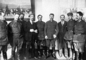 как коммунистическая партия руководила советской страной