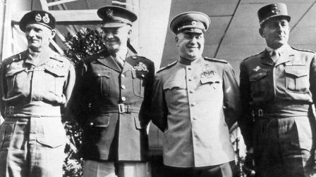 фельдмаршал Монтгомери, генерал Эйзенхауэр, маршал Жуков, генерал де Делатр де Тассиньи; Берлин 5.06.1945