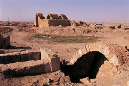 какой город был первой столицей ассирии
