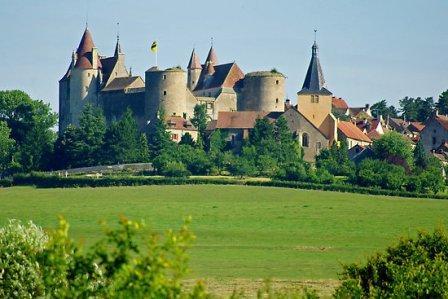 как выглядят старинные европейские замки