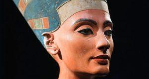 как переводится имя Нефертити
