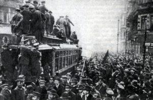 почему гитлер не любил коммунистов социалистов и евреев