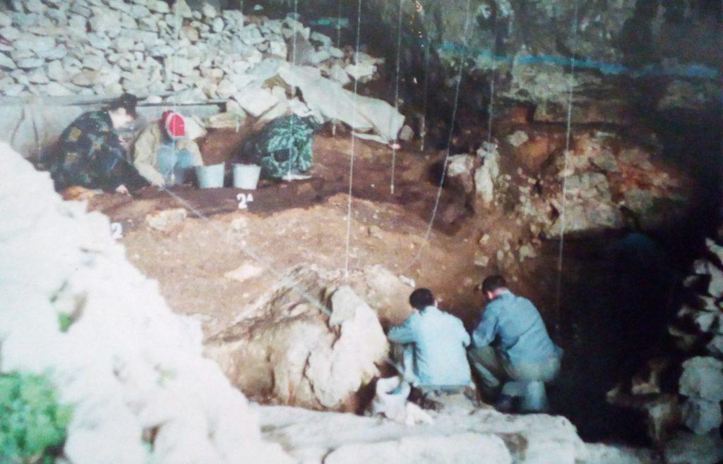 когда жили неандертальцы