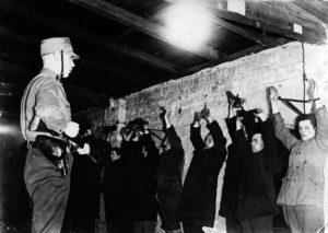 почему нацисты преследовали коммунистов