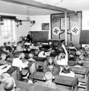 как выглядели школы в германии при гитлере