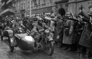 зачем немцы разделили чехословакию