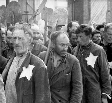 чем отличалась нацистская дискриминация еврев от дискриминации евреев в старой европе