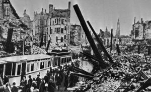 как жила гитлеровская германия в самом конце существования