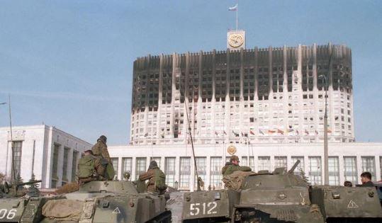 какой политический кризис был в россии в сентябре октябре 1993 года